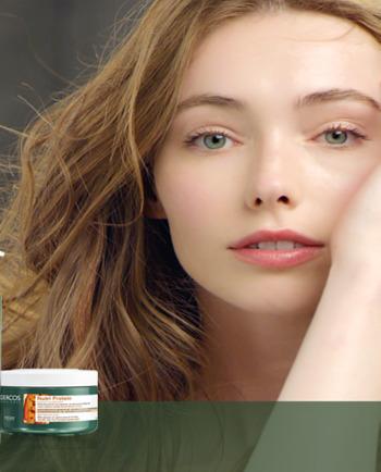 Anna hiuksillesi uutta elinvoimaa acai-uutteella, proteiinilla ja E-vitamiinilla